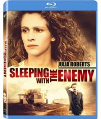 В постели с врагом [Blu-ray]